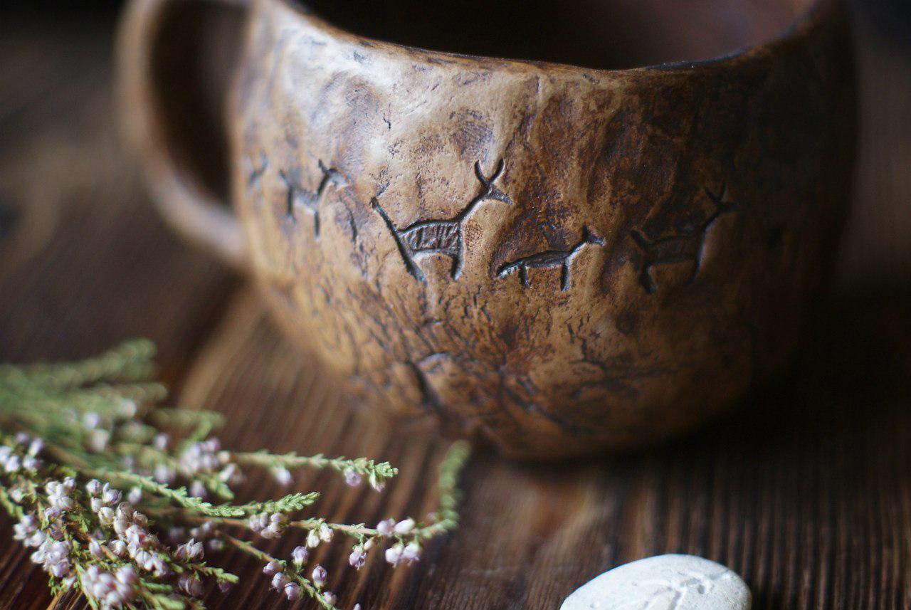 """большая чашка """"Маленькие олени и потерянные письмена"""" из коллекции """"Сотворение мира"""", автор Александр Теплухин"""
