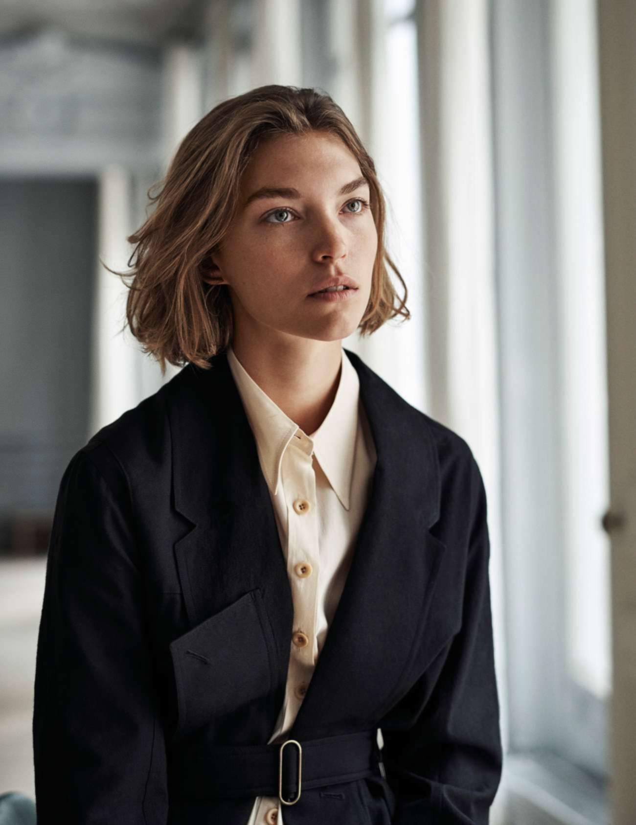 пальто из шерсти, шелковое платье-рубашка, Lemaire