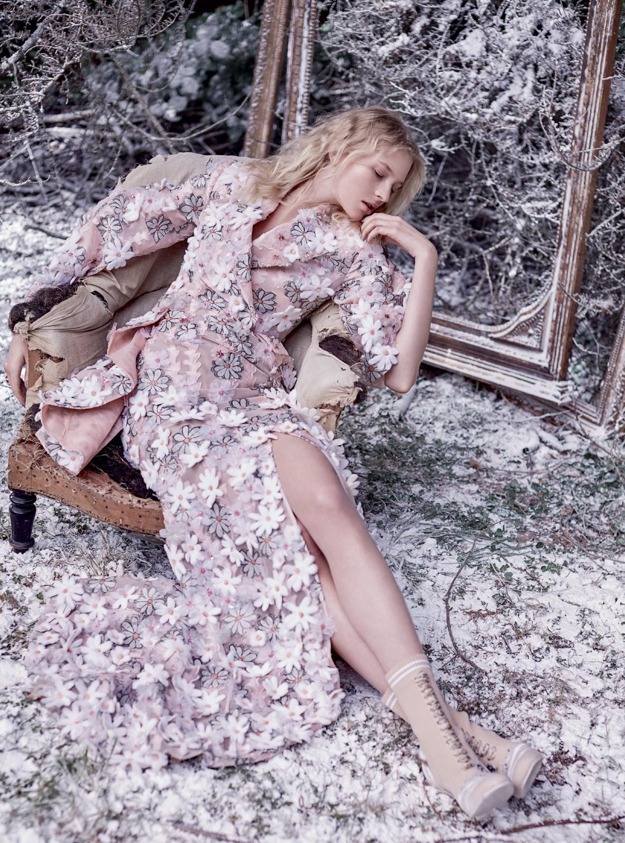платье из жаккарда и органзы, ботильоны из кожи на шнуровке, Fendi Haute Couture