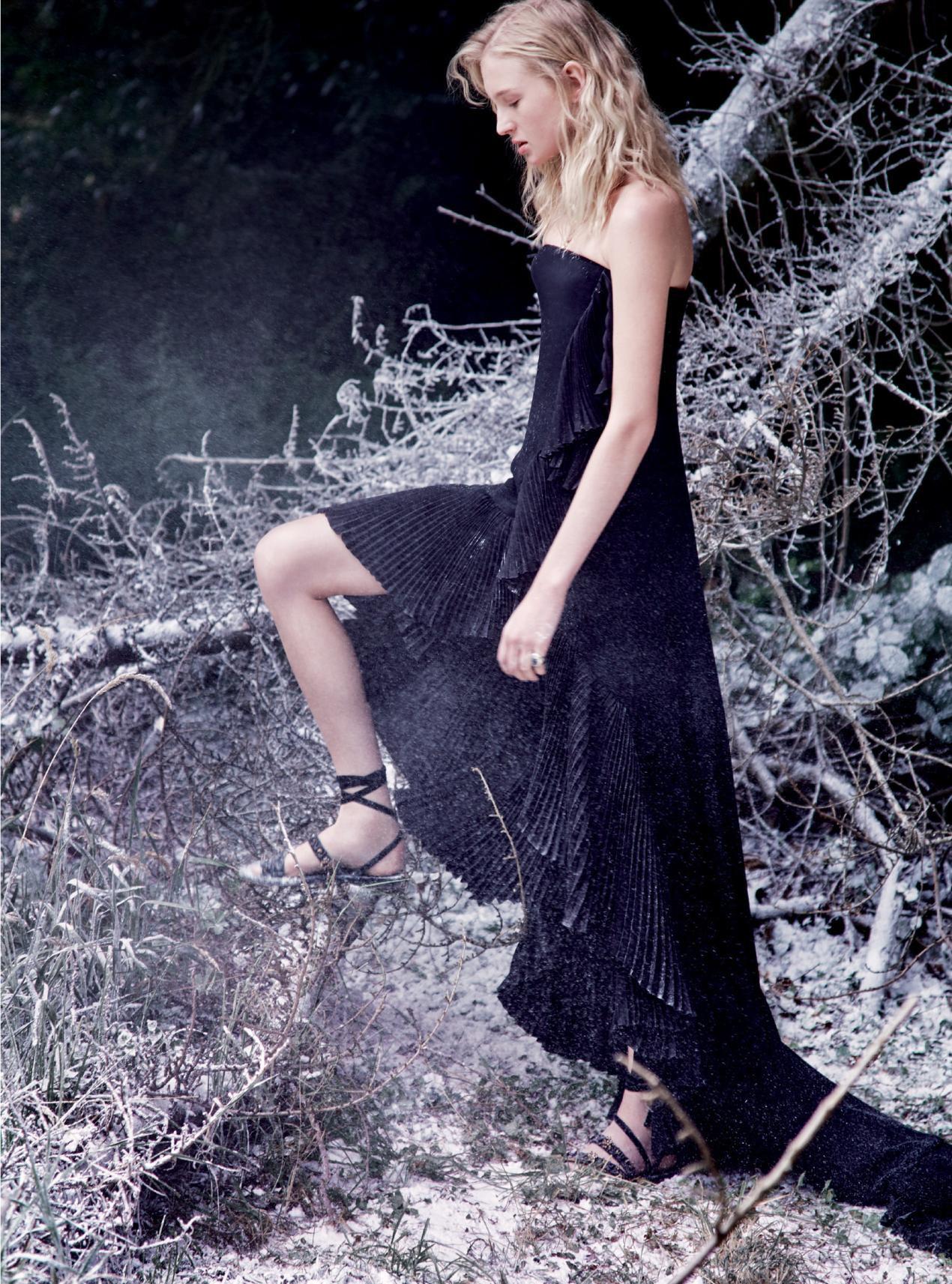платье из шелкового крепа, сандалии из бархата, Dior Haute Couture