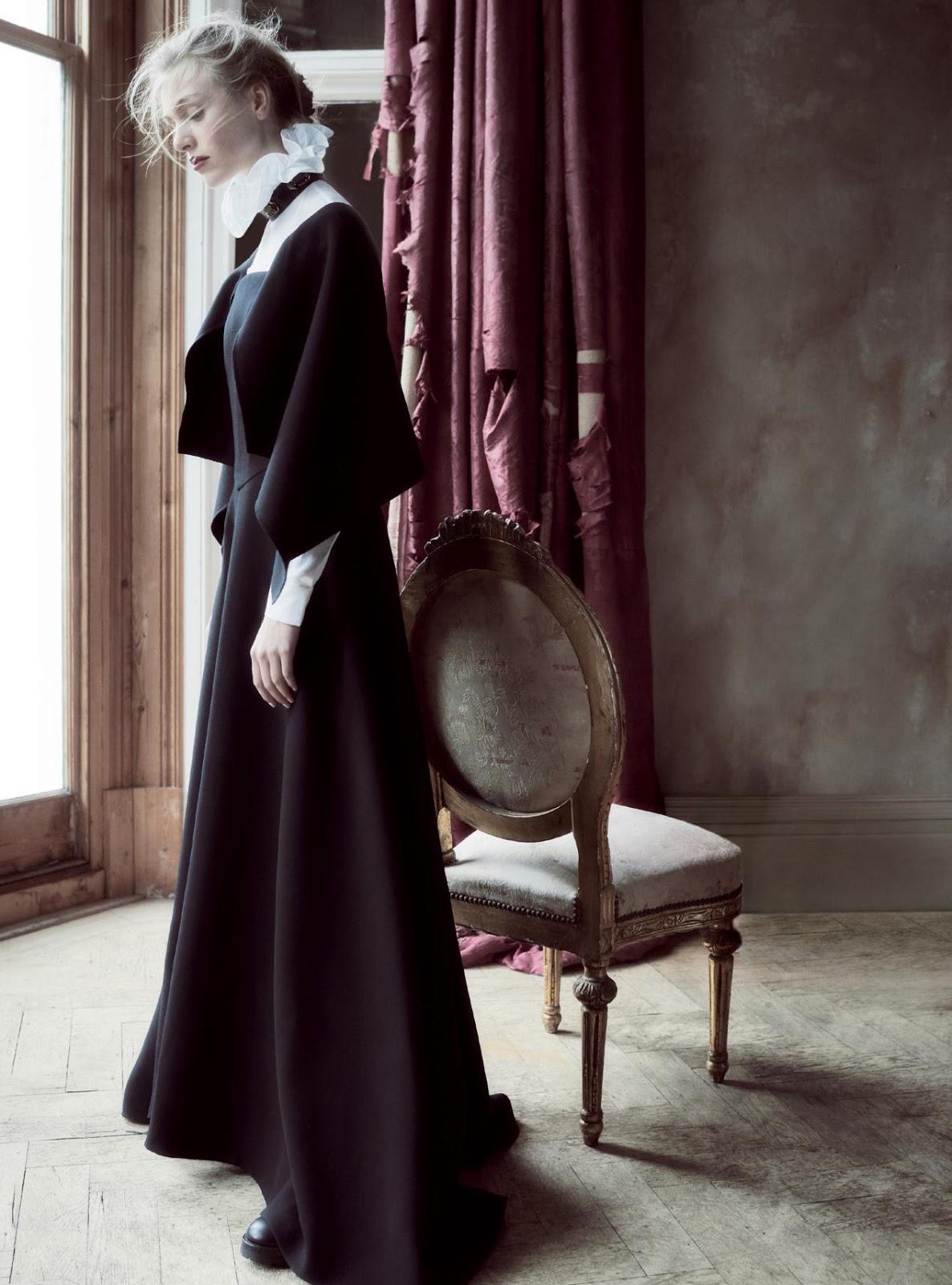платье из крепа, туфли, Valentino Haute Couture