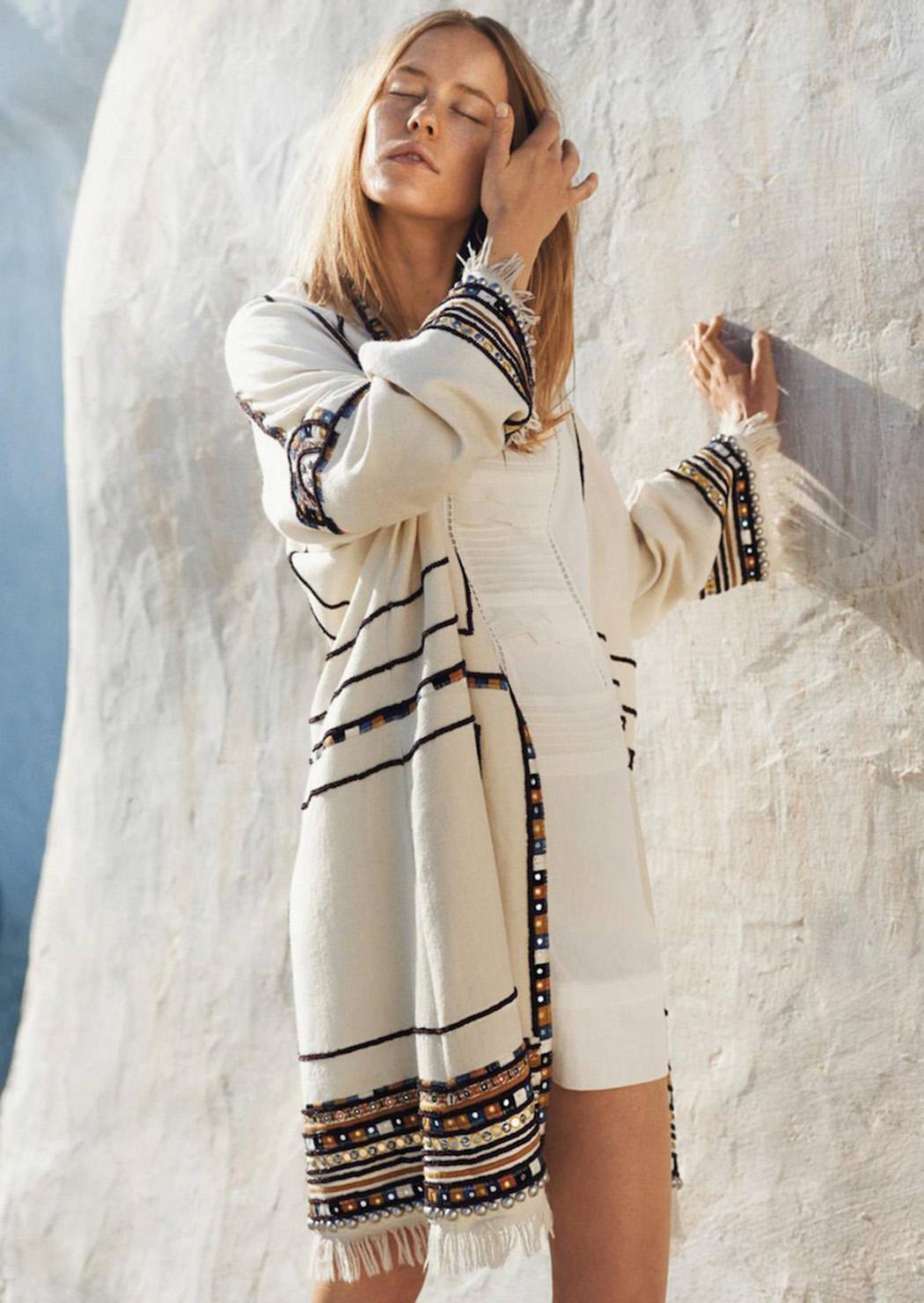 кафтан, Isabel Marant; платье из шелка, Comptoir des Cotonniers