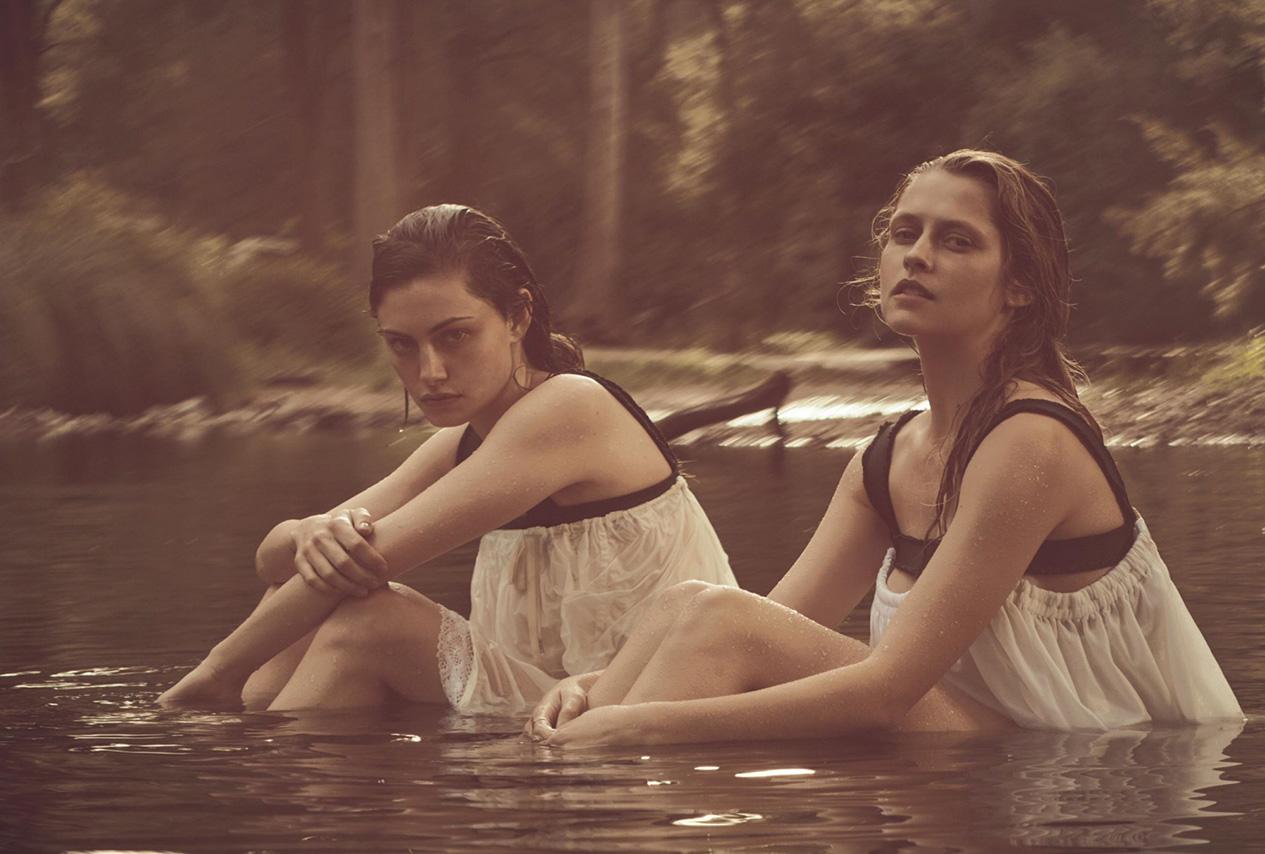 Тереза и Фиби: топы, Vivienne Westwood