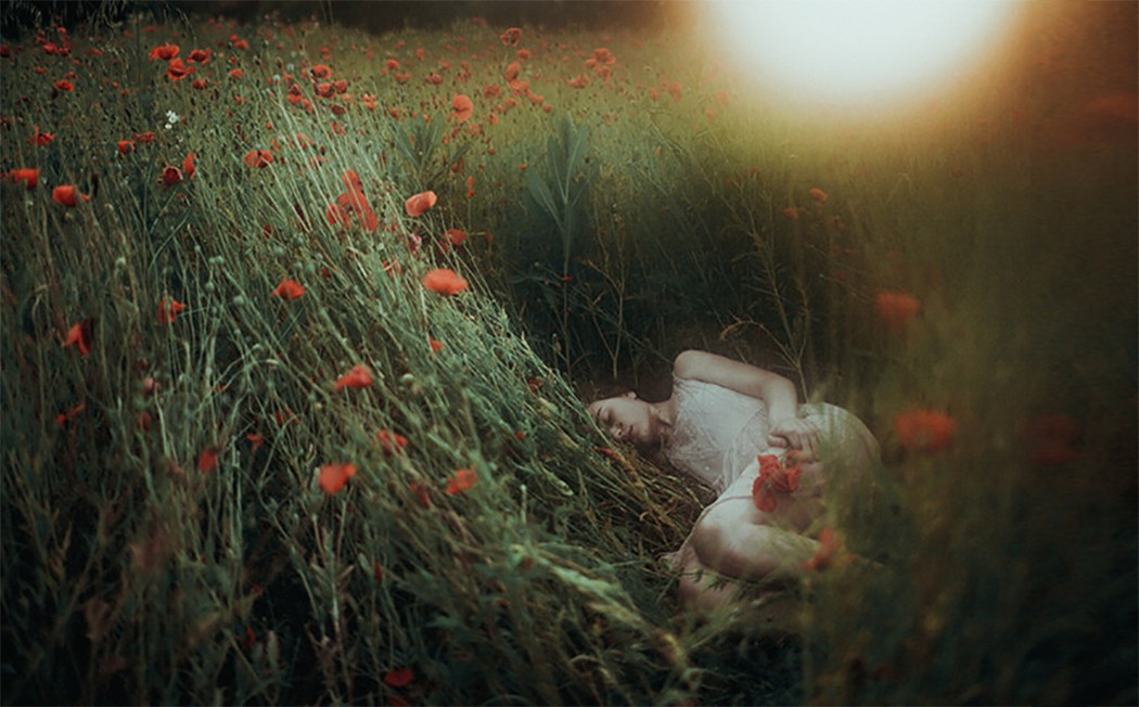 "Фотограф Лаура Макабреску/Laura Makabresku, ""Безмолвные вечера"""