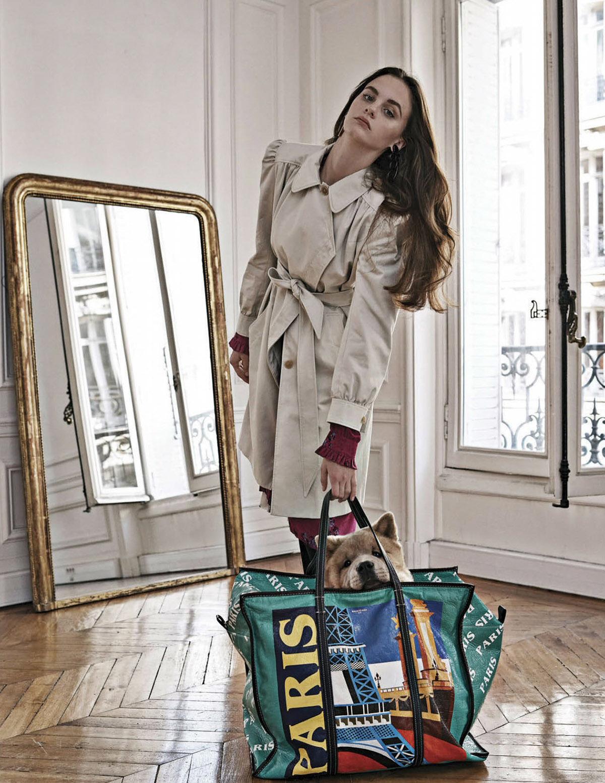 тренчкот, платье из шелка, сумка, серьги, Balenciaga