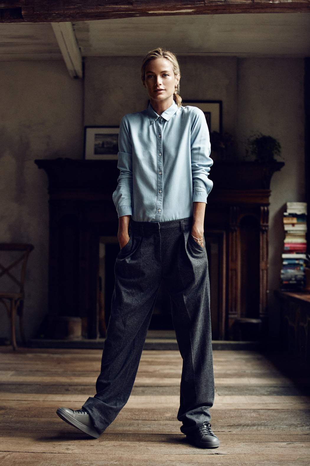 рубашка, Ayr; брюки, Sonia by Sonia Rykiel; кеды, Santoni; браслеты, Iwona Ludyga