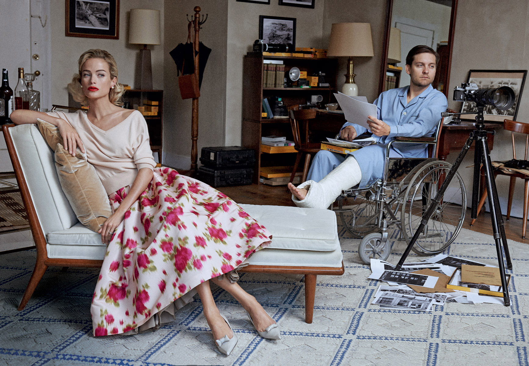 свитер и юбка из фая, Michael Kors; лодочки, Marc Jacobs