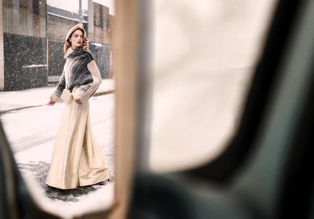 свитер, Free People; брюки, Victoria Hayes; берет, собственность стилиста; туфли, Giuseppe Zanotti; клатч, Mirza by SMK